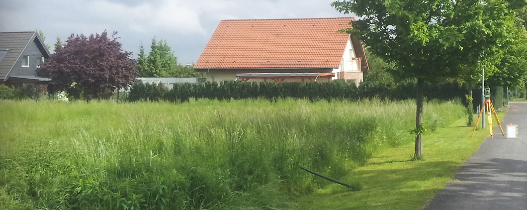 Hausbau-Bild-Baugrundstück